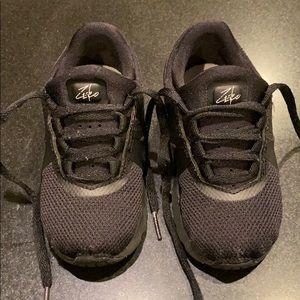 Nike Air Max Zero 8C Triple Black
